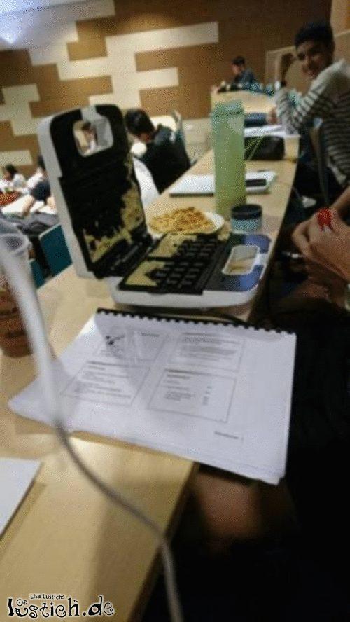 Waffeleisen mit Notebook verwechselt