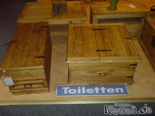 Toiletten im Möbelhaus