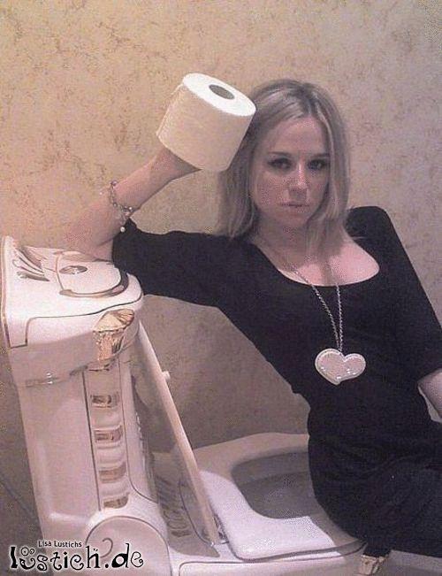 Toiletten Posing